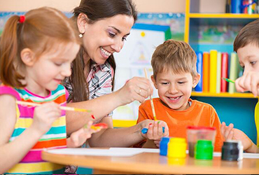 Daycare facilities are provided by trained and qualified staff: